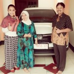 Foto Penyerahan Unit 1 Sales Marketing Mobil Dealer Honda Jember Sinta Janeeta