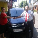Foto Penyerahan Unit 1 Sales Marketing Mobil Dealer Honda Probolinggo Suthe