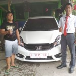 Foto Penyerahan Unit 2 Sales Marketing Mobil Dealer Honda Tuban Nabil