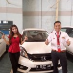 Foto Penyerahan Unit 3 Sales Marketing Mobil Dealer Honda Batu Adi