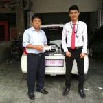Foto Penyerahan Unit 4 Sales Marketing Mobil Dealer Honda Palu Richo