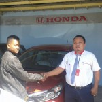 Foto Penyerahan Unit 6 Sales Marketing Mobil Dealer Honda Probolinggo Suthe