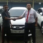 Foto Penyerahan Unit 7 Sales Marketing Mobil Dealer Honda Probolinggo Suthe