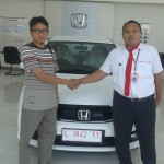 Foto Penyerahan Unit 9 Sales Marketing Mobil Dealer Honda Probolinggo Suthe