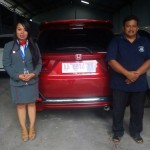 foto-penyerahan-unit-mobil-6-sales-marketing-mobil-dealer-honda-magelang-danik