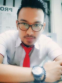 Sales Marketing Mobil Dealer Honda Surabaya Nino