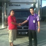 Foto Penyerahan Unit 12 Sales Marketing Mobil Dealer Suzuki Medan Niko Ginting