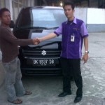 Foto Penyerahan Unit 13 Sales Marketing Mobil Dealer Suzuki Medan Niko Ginting