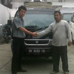 Foto Penyerahan Unit 15 Sales Marketing Mobil Dealer Suzuki Medan Niko Ginting