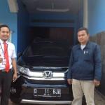 Foto Penyerahan Unit 3 Sales Marketing Mobil Dealer Honda Sumedang Fadli