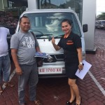 Foto Penyerahan Unit 4 Sales Marketing Mobil Dealer Suzuki Evi