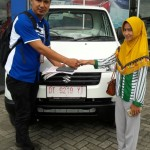 Foto Penyerahan Unit 5 Sales Marketing Mobil Dealer Suzuki Kendari Fatur