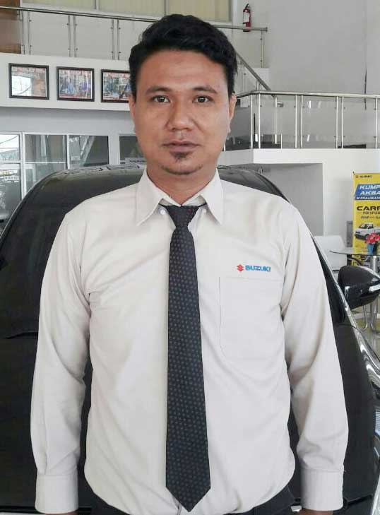 Sales Marketing Mobil Dealer Suzuki Kendari Fatur