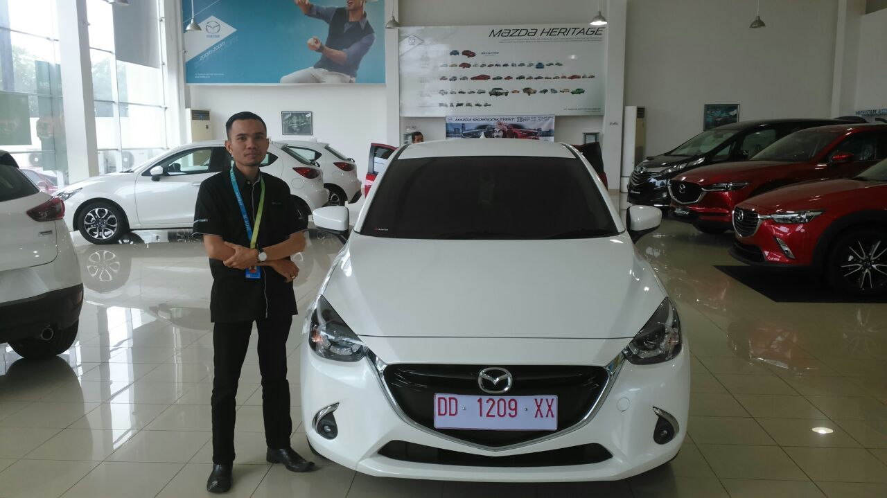 Sales Marketing Mobil Dealer Mazda Makassar Mappasessu