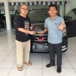 DO 5 Sales Marketing Mobil Dealer Wuling Bintaro Joko