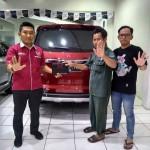 DO 6 Sales Marketing Mobil Dealer Wuling Bintaro Joko