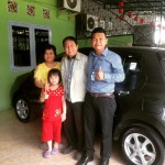 Foto Penyerahan Unit 3 Sales Marketing Mobil Dealer Toyota Pekanbaru Heri