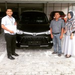 Foto Penyerahan Unit 7 Sales Marketing Mobil Dealer Toyota Pekanbaru Heri