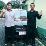 Foto Penyrahan Unit 6 Sales Marketing Mobil Dealer Wuling Ricko