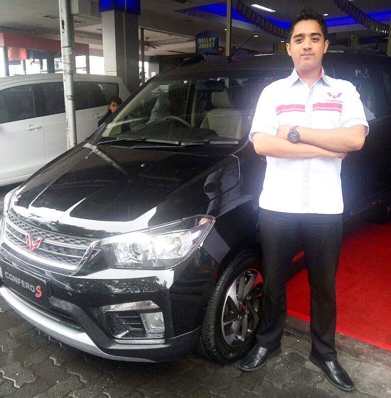 Sales Marketing Mobil Dealer Wuling Ricko
