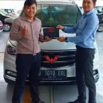 DO 1 Sales Marketing Mobil Dealer Wuling Sugeng