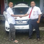Foto Penyerahan Unit 10 Sales Marketing Mobil Dealer Honda Probolinggo Suthe