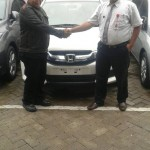 Foto Penyerahan Unit 14 Sales Marketing Mobil Dealer Honda Probolinggo Suthe
