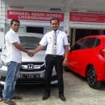 Foto Penyerahan Unit 15 Sales Marketing Mobil Dealer Honda Lhokseumawe Aulia