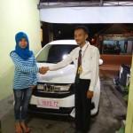 Foto Penyerahan Unit 2 Sales Marketing Mobil Dealer Honda Mojokerto Huda