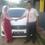 Foto Penyerahan Unit 2 Sales Marketing Mobil Dealer Honda Probolinggo Suthe