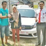 Foto Penyerahan Unit 6 Sales Marketing Mobil Dealer Honda Tuban Nabil