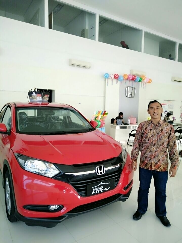 Sales Marketing Mobil Honda Muslikh
