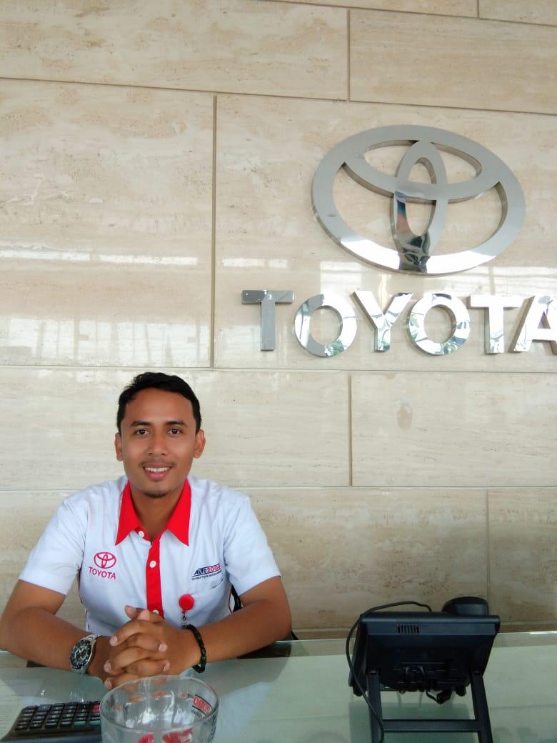 Sales Marketing Mobil Dealer Toyota Darwis