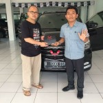 DO 5 Sales Marketing Mobil Dealer Wuling Bintaro Joko