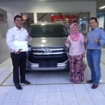 Foto Penyerahan Unit 6 Sales Marketing Mobil Dealer Toyota Pekanbaru Heri