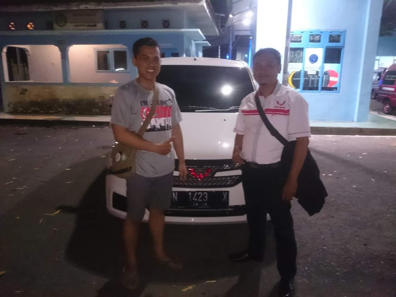 Sales Marketing Mobil Dealer Wuling Novan
