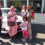 DO 2 Sales Marketing Mobil Dealer Suzuki Elfan