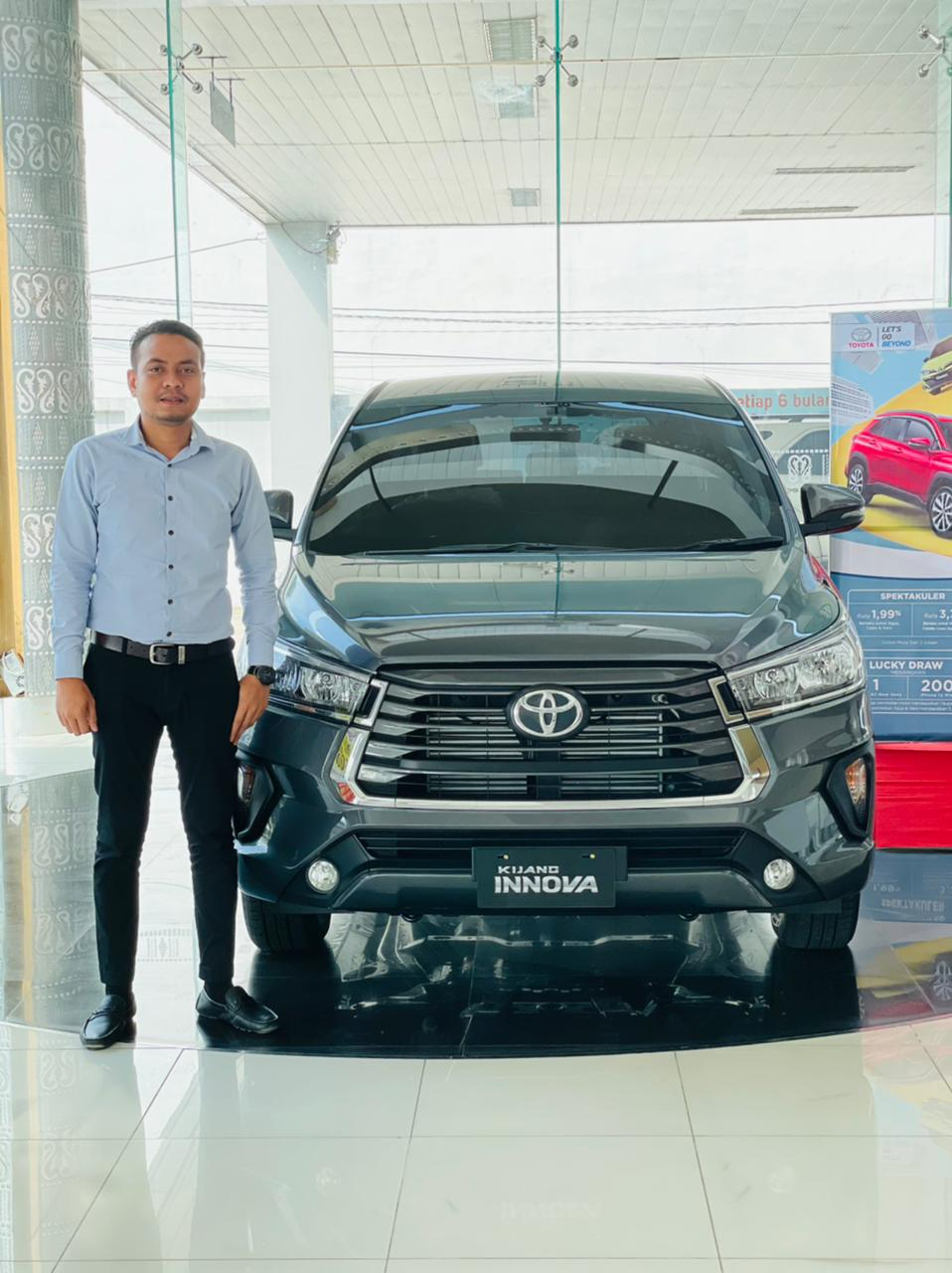 Showroom mobil toyota sidikalang